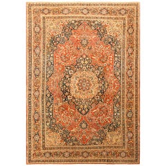 Fine Antique Persian Tabriz Central Medallion Rug. Size: 9 ft 4 in x 12 ft 10 in