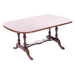 Fine Antique Queen Anne Style Walnut Coffee Table