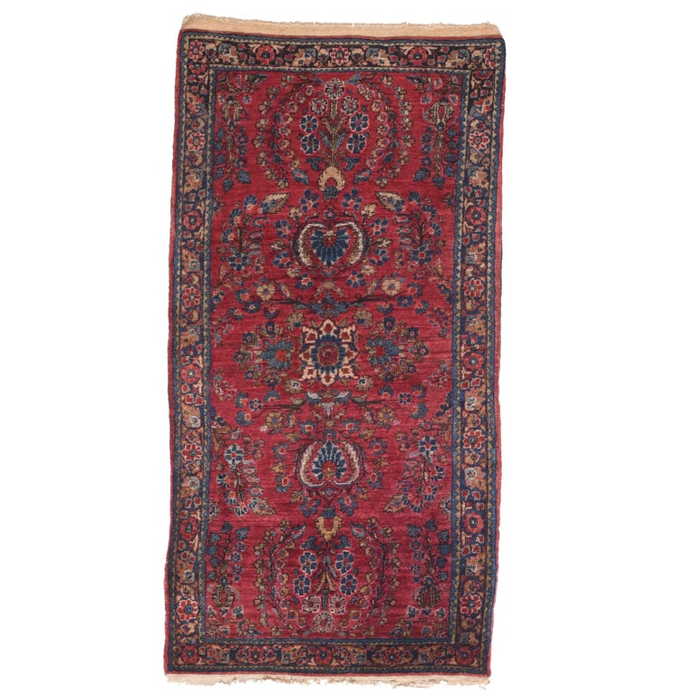 Fine Antique Sarouk Persian Rug, Hand Knotted, circa 1910 For Sale