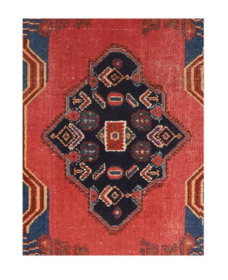 Fine antique Senneh Persian Kurd rug, hand knotted, circa 1910  Design: Tribal  Senneh rug, Senneh also spelled Senna or Sehna, handwoven floor covering made by Kurds who live in or around the town of Senneh (now more properly Sanandaj) in