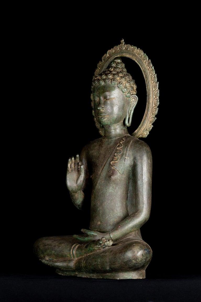 Thai Fine Antique Teaching Buddha with Divine Halo Hand Cast Bronze, 19th Century For Sale