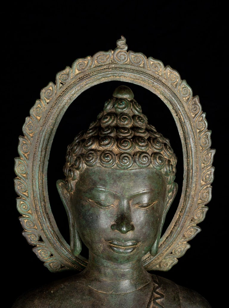 Fine Antique Teaching Buddha with Divine Halo Hand Cast Bronze, 19th Century In Good Condition For Sale In Shelburne, VT