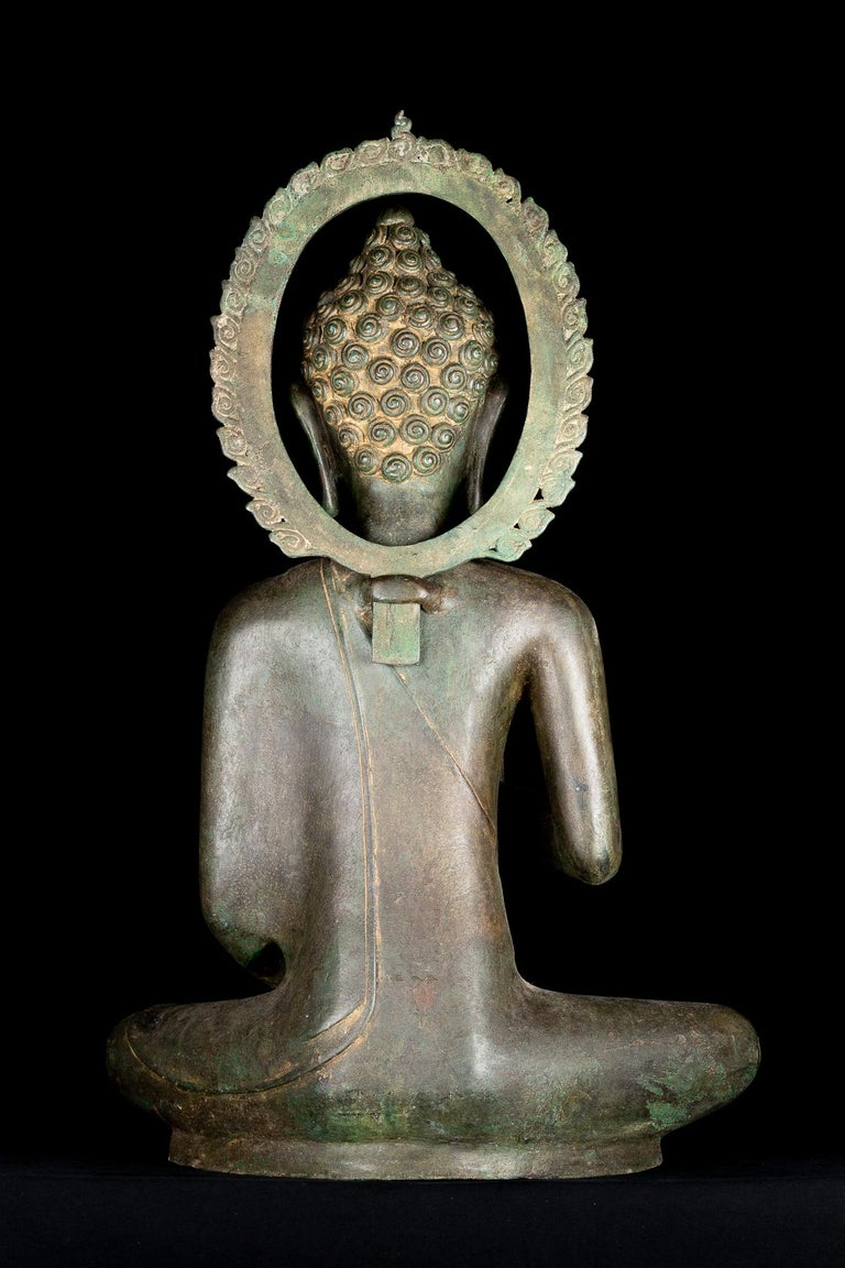 Fine Antique Teaching Buddha with Divine Halo Hand Cast Bronze, 19th Century For Sale 1