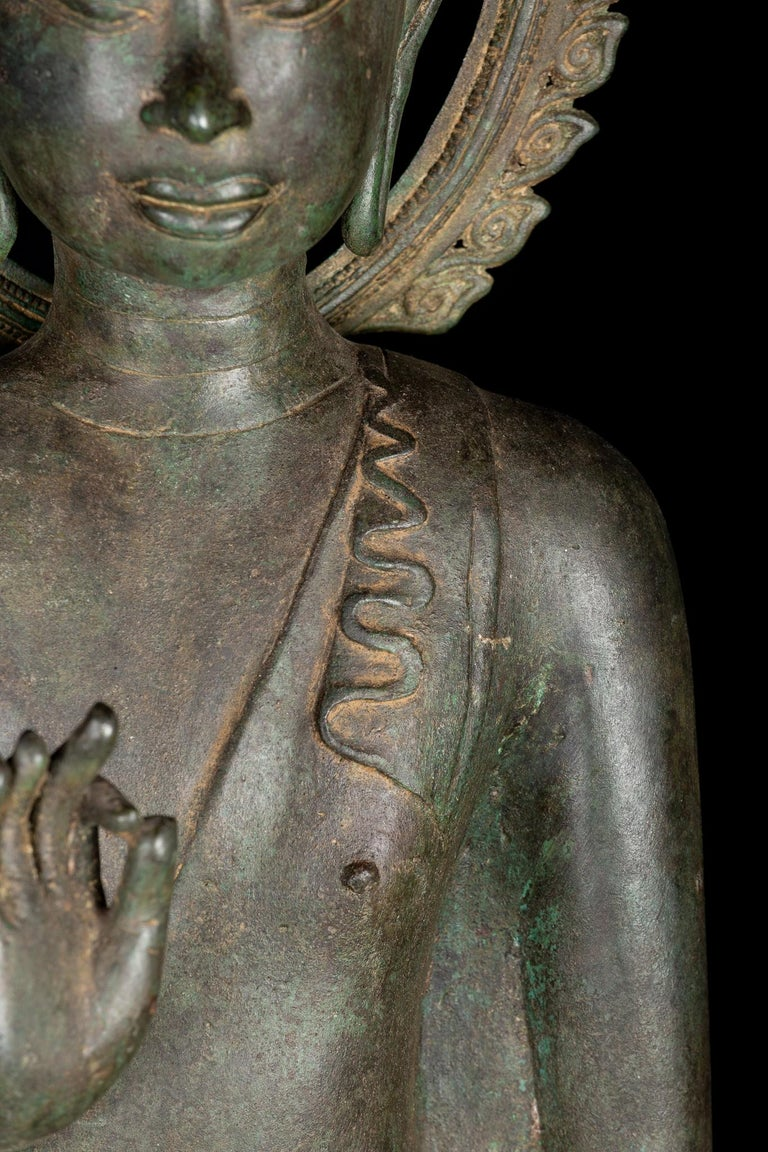 Fine Antique Teaching Buddha with Divine Halo Hand Cast Bronze, 19th Century For Sale 5
