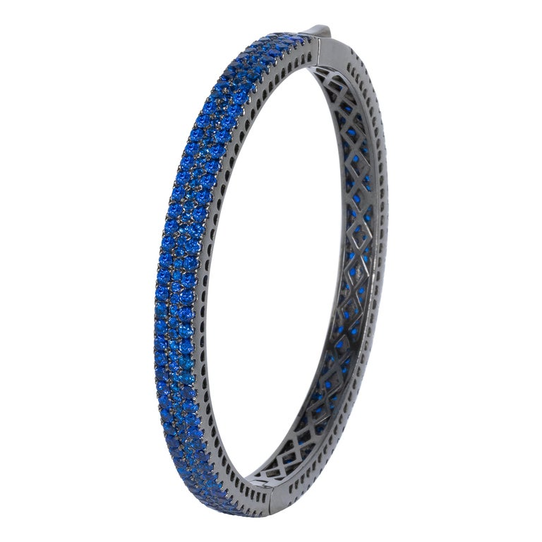 Fine Blue 6 Carat Kyanite Bangle, Made in Italy '274 Kyanites' For Sale