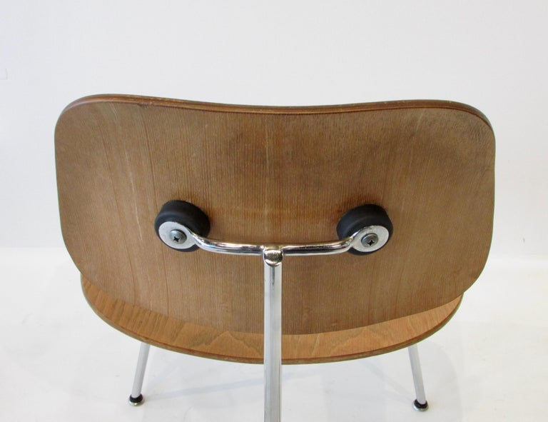 Fine Charles Eames for Evans Sold by Herman Miller Ash Grain DCM Dining Chair For Sale 3