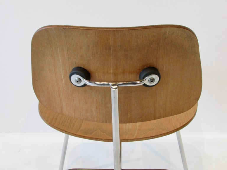 Fine Charles Eames for Evans Sold by Herman Miller Ash Grain DCM Dining Chair For Sale 4