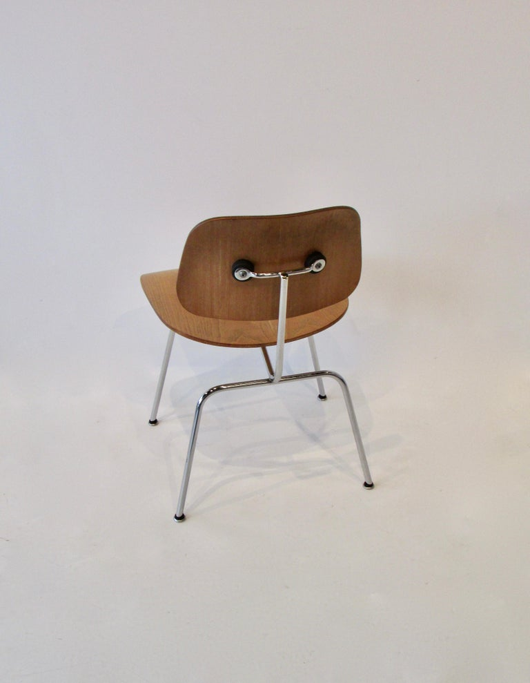 American Fine Charles Eames for Evans Sold by Herman Miller Ash Grain DCM Dining Chair For Sale