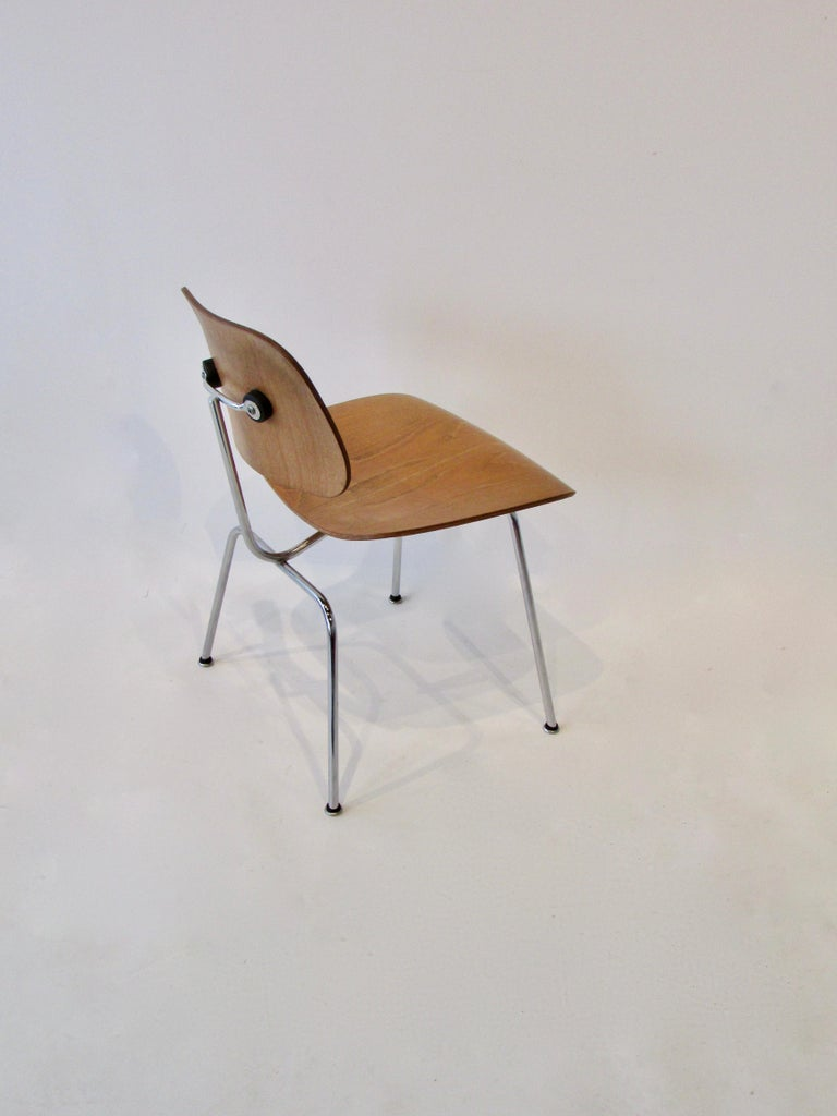 20th Century Fine Charles Eames for Evans Sold by Herman Miller Ash Grain DCM Dining Chair For Sale