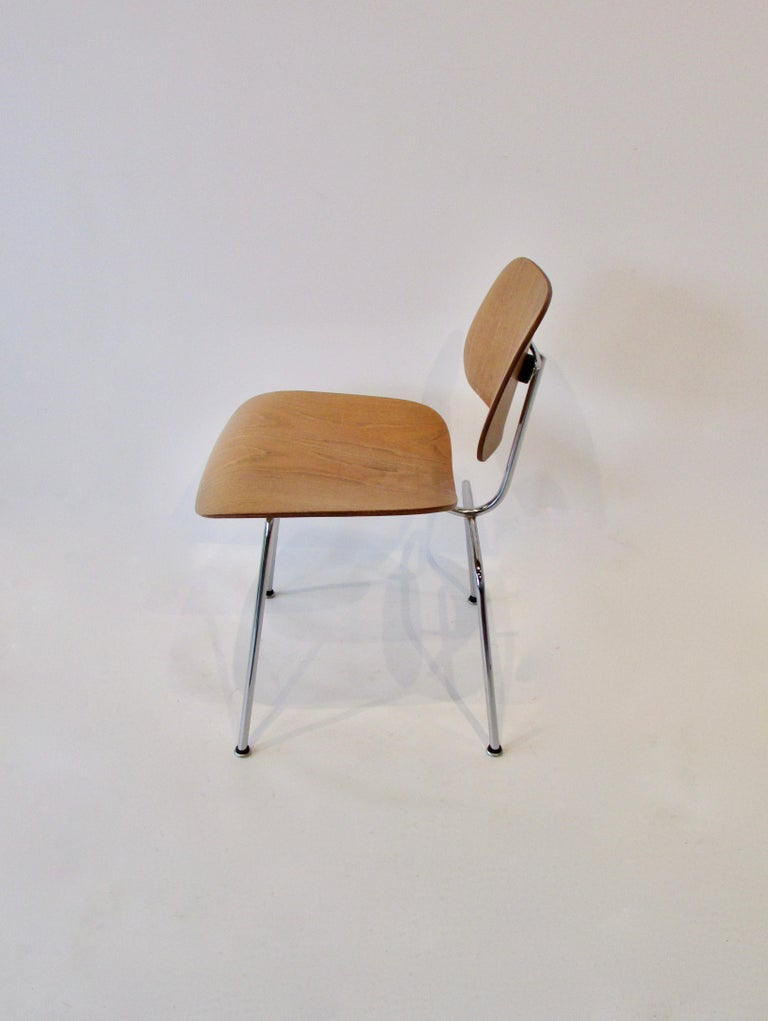 Fine Charles Eames for Evans Sold by Herman Miller Ash Grain DCM Dining Chair For Sale 1