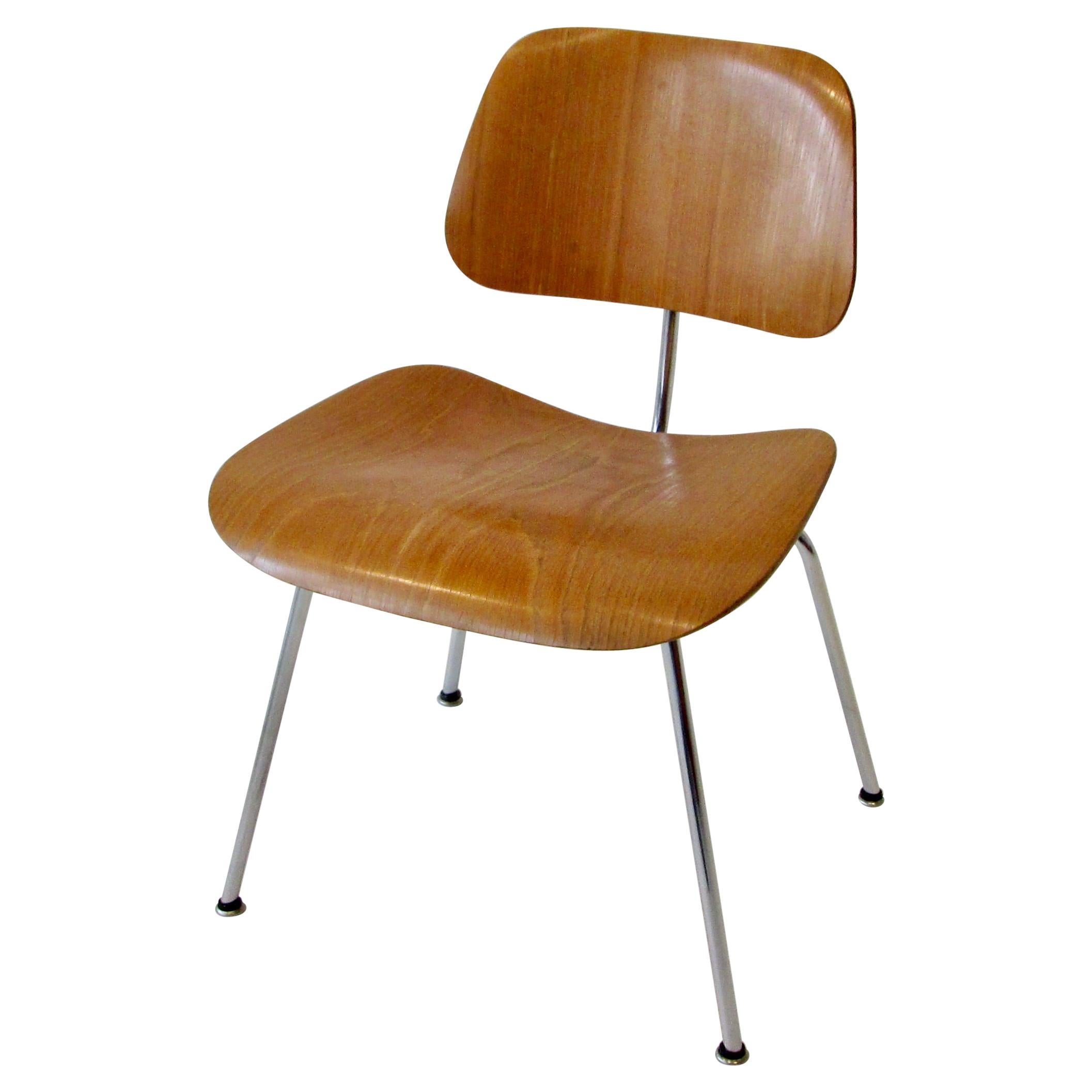 Fine Charles Eames for Evans Sold by Herman Miller Ash Grain DCM Dining Chair