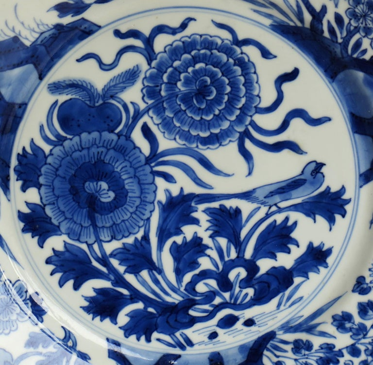 Fine Chinese Porcelain Blue and White Plate, Kangxi Period & Mark, circa 1700 For Sale 3