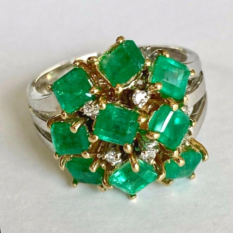 Fine Cocktail Retro Style Colombian Emerald Ring 18K In Excellent Condition For Sale In Brunswick, ME