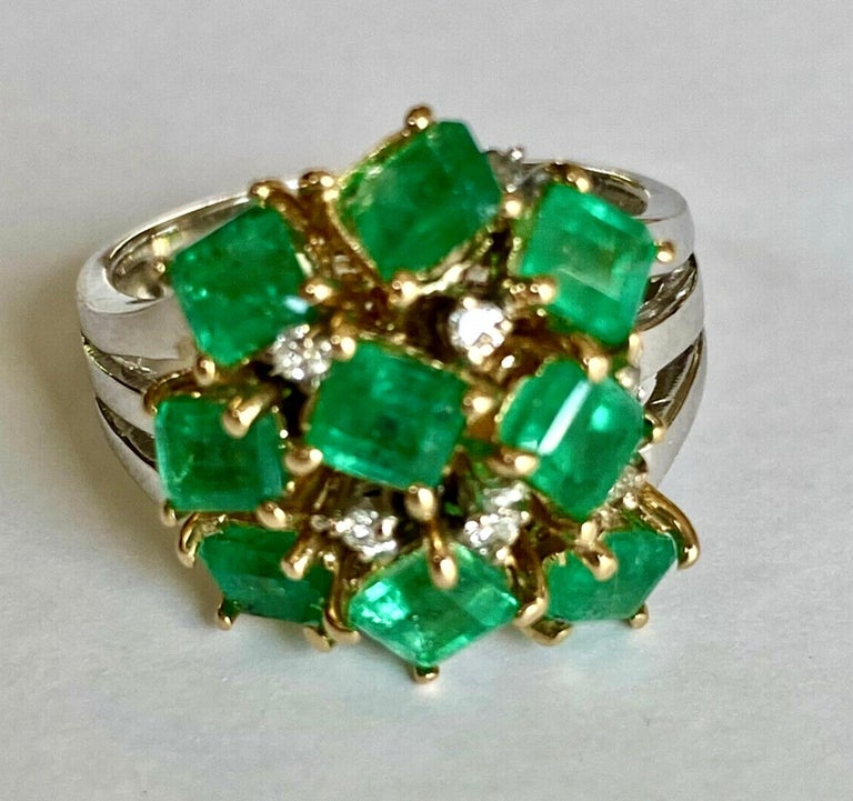 Fine Cocktail Retro Style Colombian Emerald Ring 18K For Sale 1