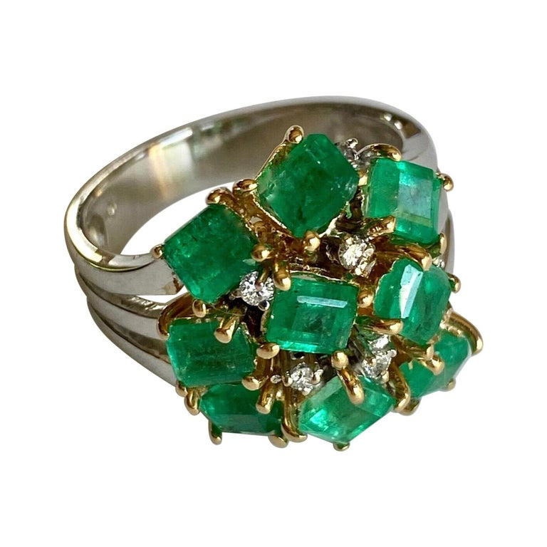 Fine Cocktail Retro Style Colombian Emerald Ring 18K For Sale