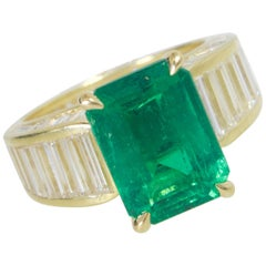 Fine Colombian Emerald and Diamond Ring by Pierre/Famille