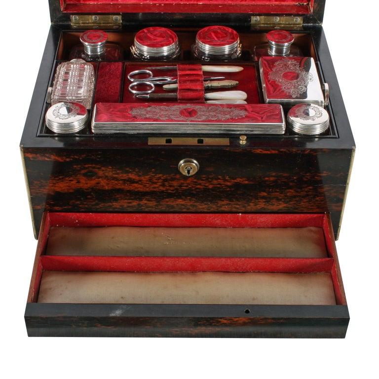 Mid-19th Century Fine Coromandel Jewelry and Dressing Box For Sale