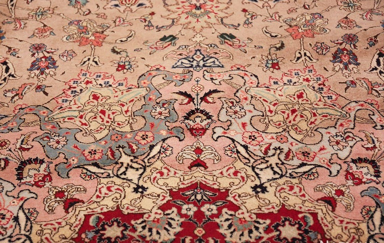 Fine Decorative Large Vintage Persian Tabriz Rug. Size: 12 ft 2 in x 15 ft 9 in In Excellent Condition For Sale In New York, NY