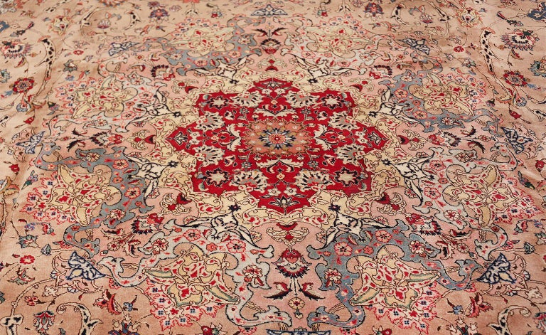 Fine Decorative Large Vintage Persian Tabriz Rug. Size: 12 ft 2 in x 15 ft 9 in For Sale 1