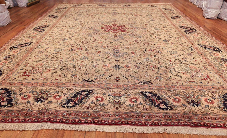 Fine Decorative Large Vintage Persian Tabriz Rug. Size: 12 ft 2 in x 15 ft 9 in For Sale 3