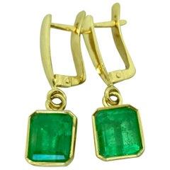Fine Drop Colombian Emerald Earrings Bezel Set 18 Karat