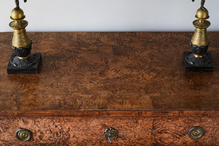 Fine Early 19th Century Gustavian Alder Root Chest of Drawers In Good Condition For Sale In Helsingborg, SE