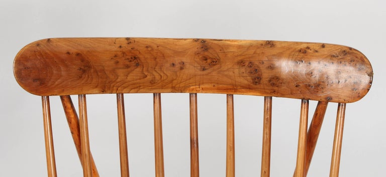 Fine Early 19th Century Yew Wood Comb Back Windsor