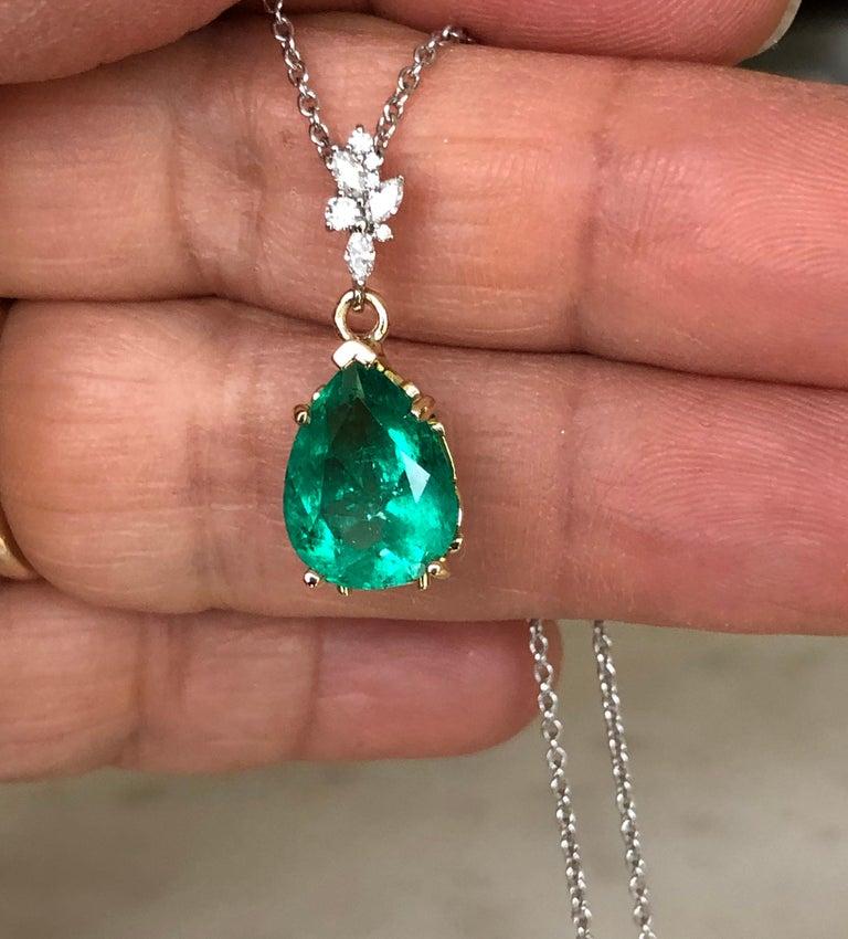 Fine Emerald Diamond Pendant Drop Necklace in 18 Karat and Platinum For Sale 4