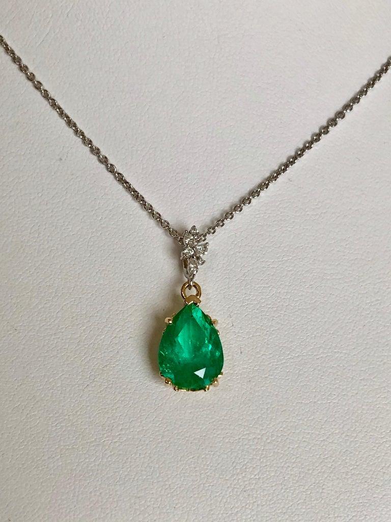 Fine Emerald Diamond Pendant Drop Necklace in 18 Karat and Platinum For Sale 5