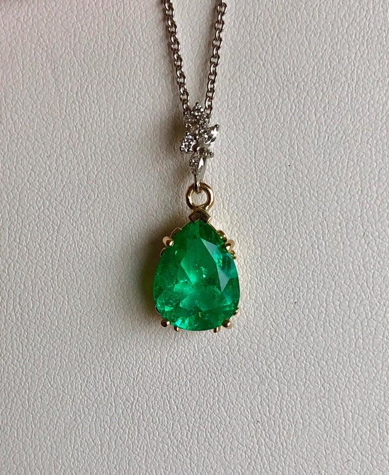 Fine Emerald Diamond Pendant Drop Necklace in 18 Karat and Platinum For Sale 6
