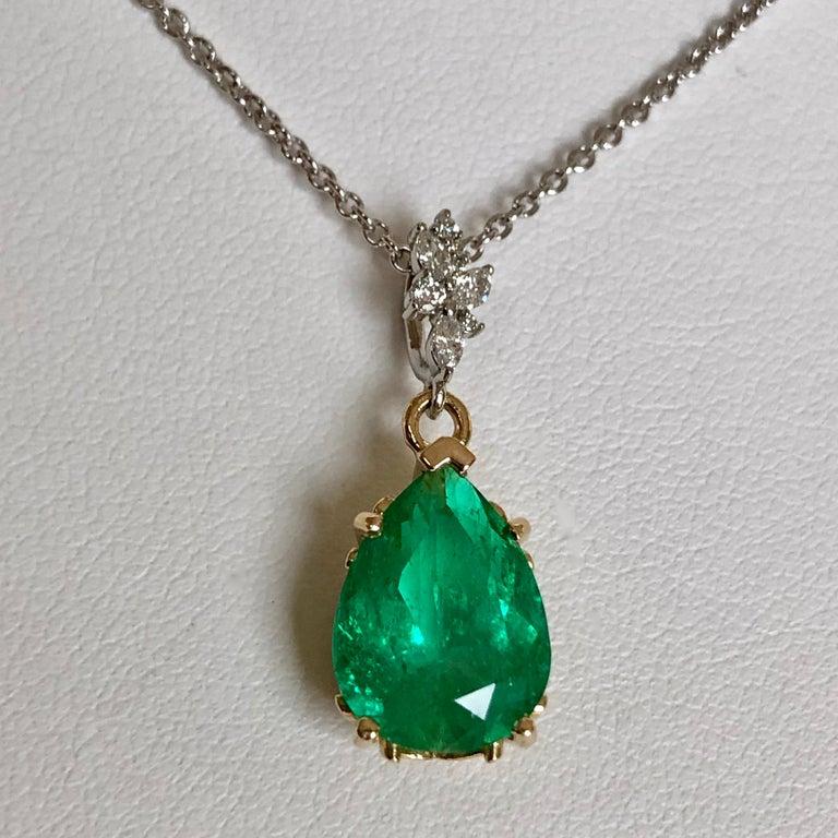 Contemporary Fine Emerald Diamond Pendant Drop Necklace in 18 Karat and Platinum For Sale