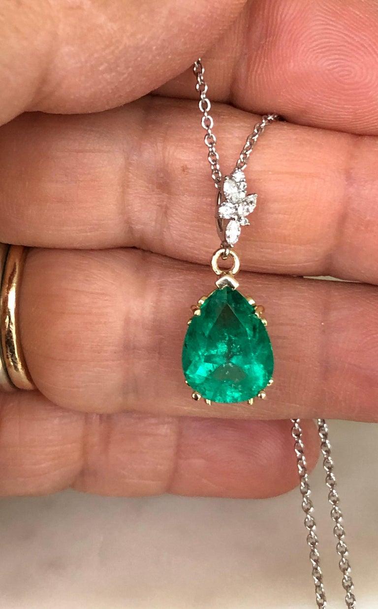 Fine Emerald Diamond Pendant Drop Necklace in 18 Karat and Platinum For Sale 1