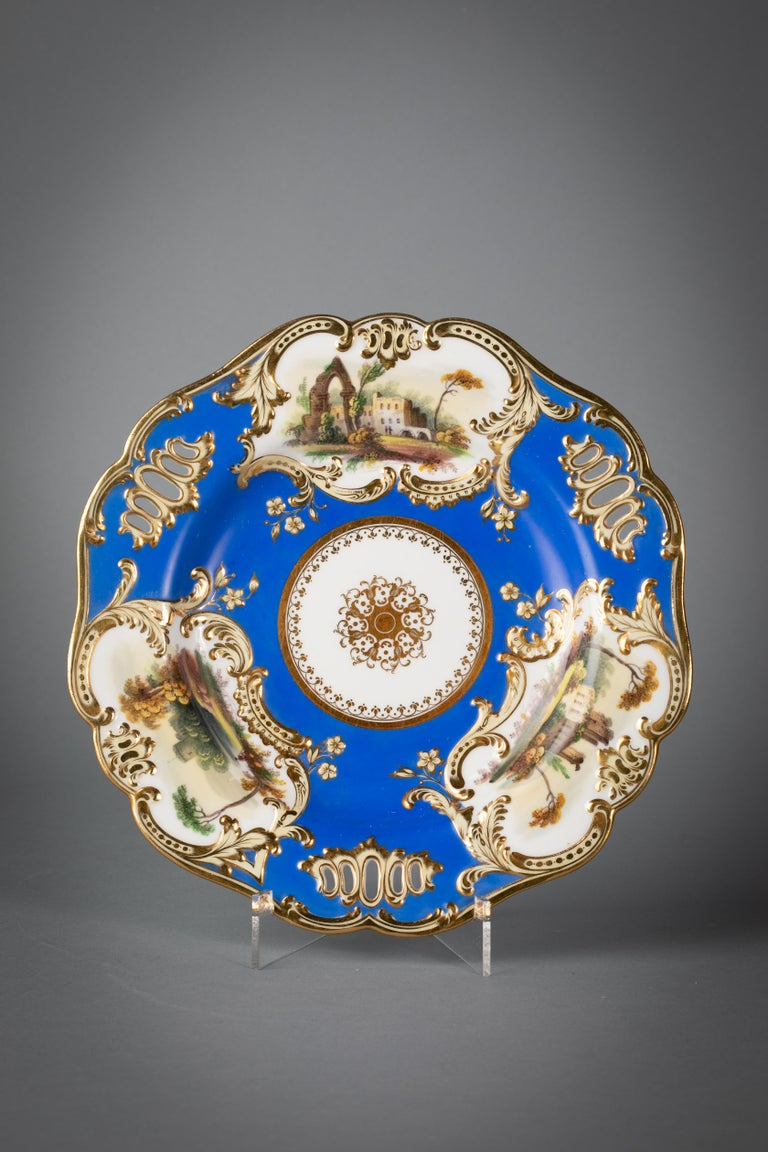 Fine English Porcelain Dessert Service, Minton, circa 1830 In Good Condition For Sale In New York, NY