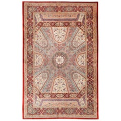Fine Floral Geometric Vintage Persian Silk Qum Rug. 4 ft 5 in x 6 ft 10 in