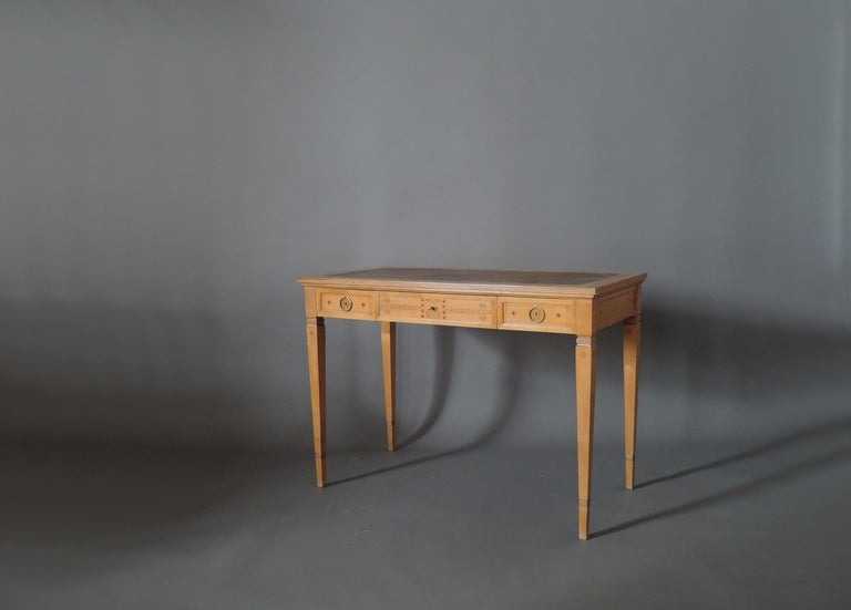 Fine French Art Deco Sycamore Desk by R. Damon & Bertaux In Good Condition In Long Island City, NY