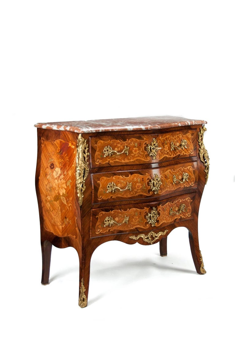 Fine French Louis XV Style Inlaid Bombe Marble Topped Commode In Excellent Condition For Sale In Benington, Herts