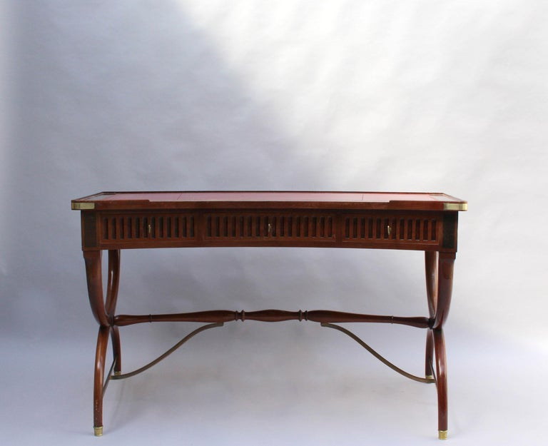 Fine French Neoclassical Mahogany Curved Desk and Armchair In Good Condition For Sale In Long Island City, NY