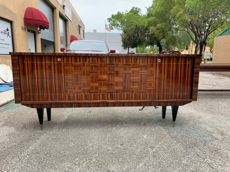 Fine French Vintage Macassar Ebony Buffet / Sideboard / Credenza In Good Condition For Sale In Hialeah, FL