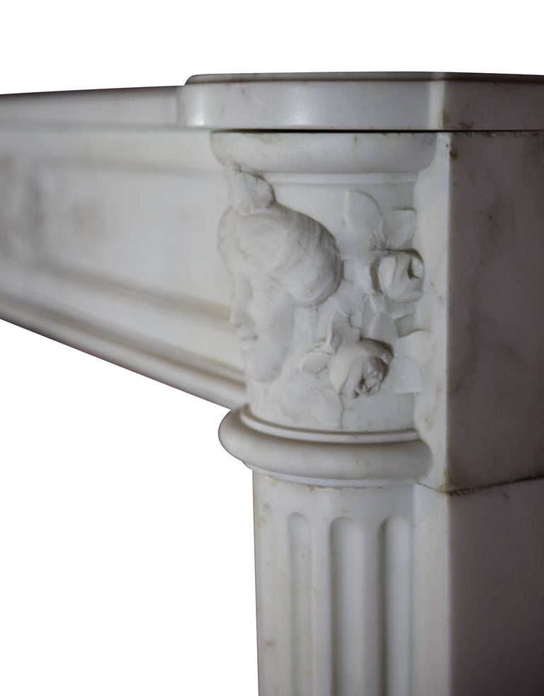 Fine French White 18th Century Carrara Marble Antique Fireplace Surround In Excellent Condition For Sale In Beervelde, BE
