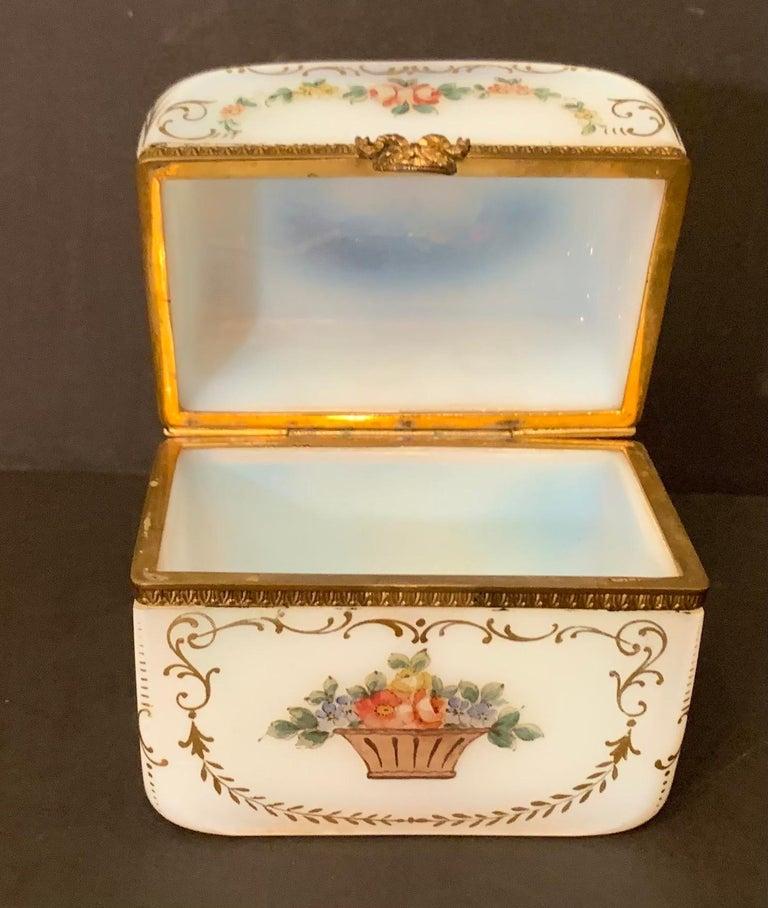 Fine French White Opaline Glass Ormolu Bronze Hand Painted Jewelry Vanity Box For Sale 2