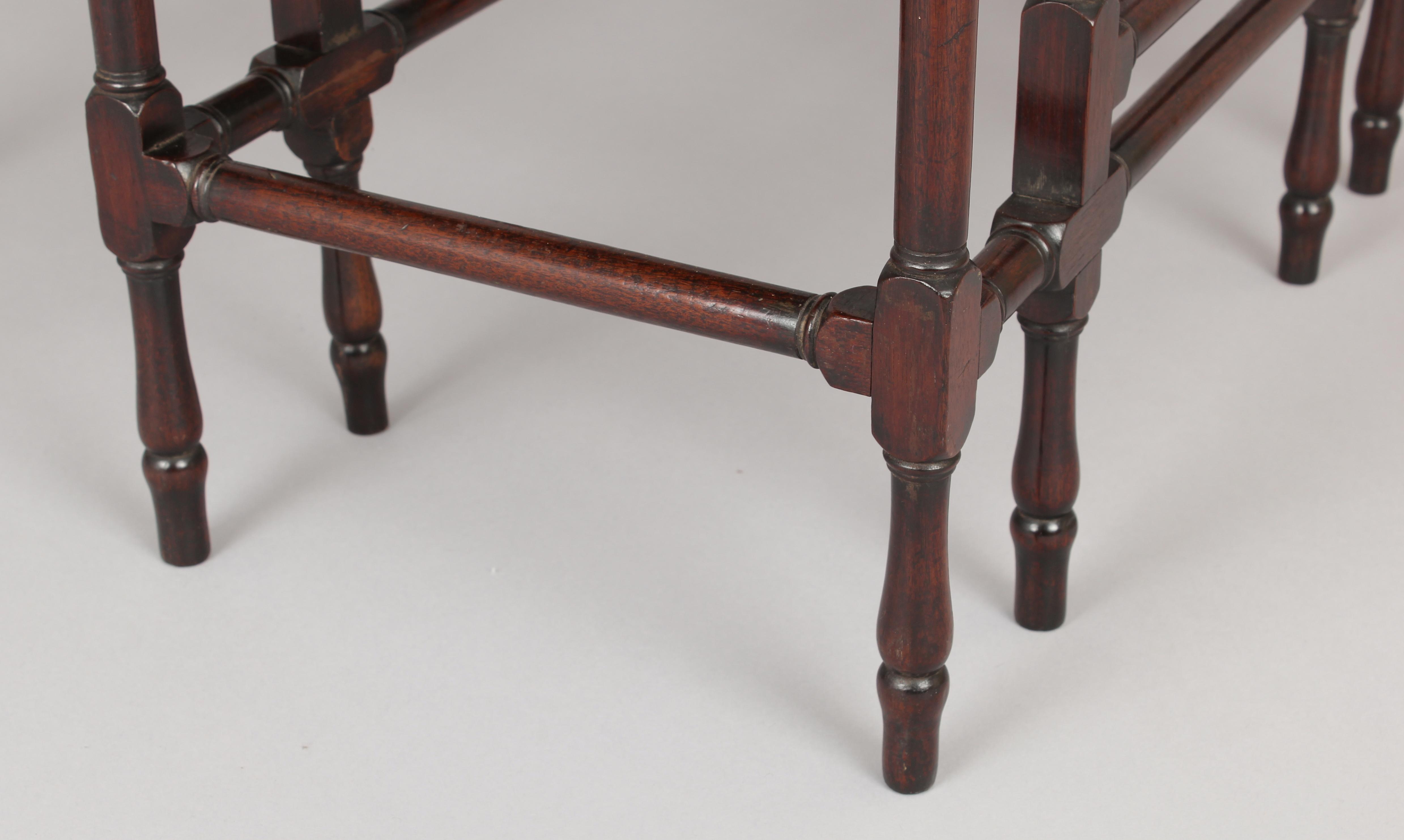 Fine George III Period Mahogany Spider-Leg Drop-Leaf Table