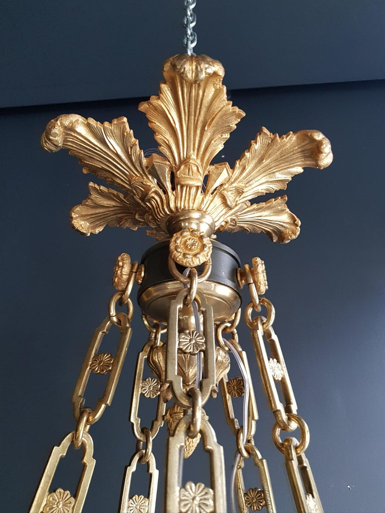 Fine Gilt Antique French Empire Lustre Neoclassical Patina Gilt Brass Chandelier For Sale 5