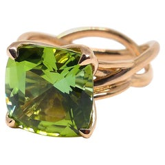 Fine Green Tourmaline 18 Karat Red Gold Ring
