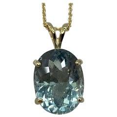 Fine Greenish Blue Aquamarine 4.82 Carat Oval Cut Yellow Gold Pendant Necklace