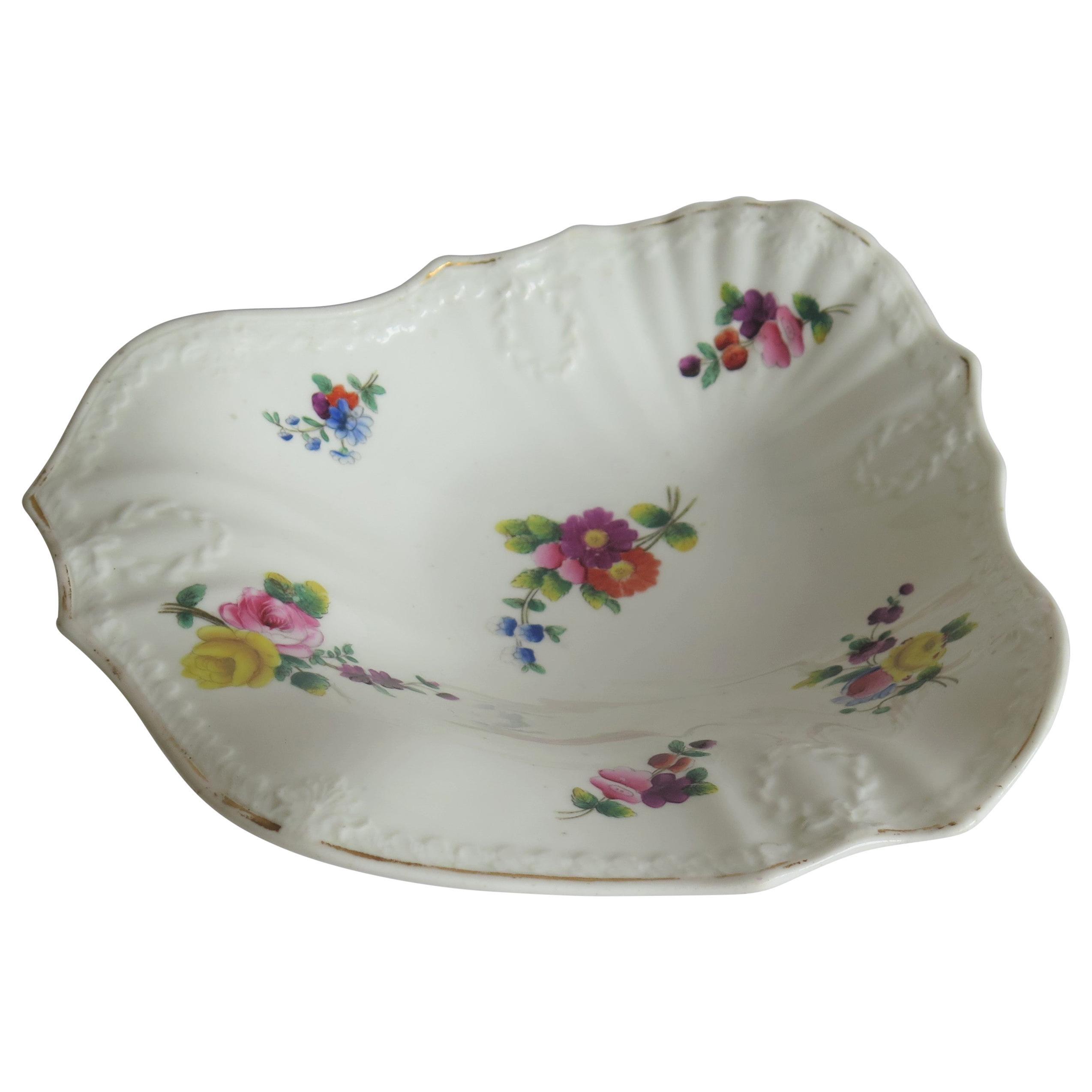 Fine H & R Daniel Porcelain Shell Dish in Recorded Pattern 3884, circa 1830