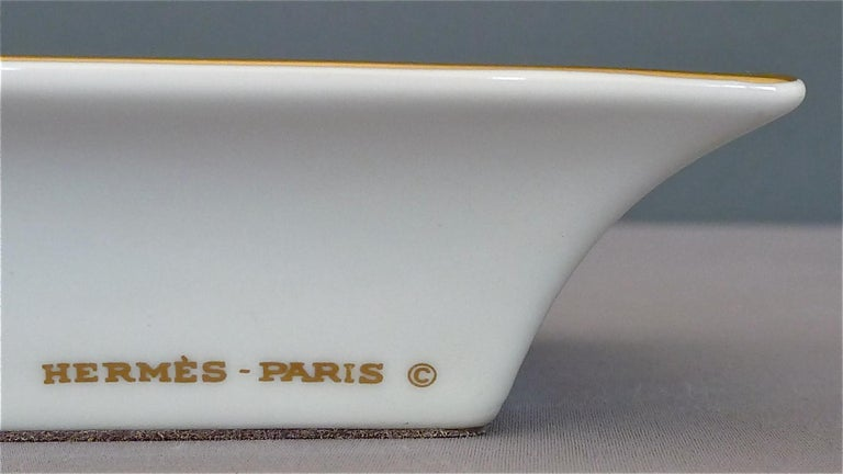 Fine Hermes Paris Porcelain Ashtray Golf Motif Gilt Green Red Fornasetti Style For Sale 1