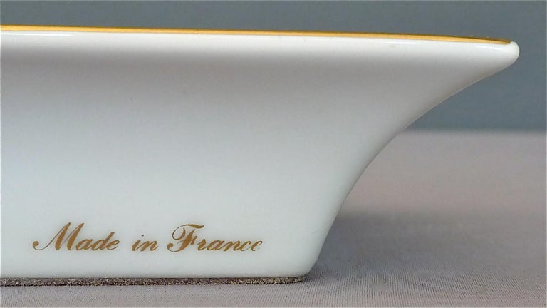 Fine Hermes Paris Porcelain Ashtray Golf Motif Gilt Green Red Fornasetti Style For Sale 2