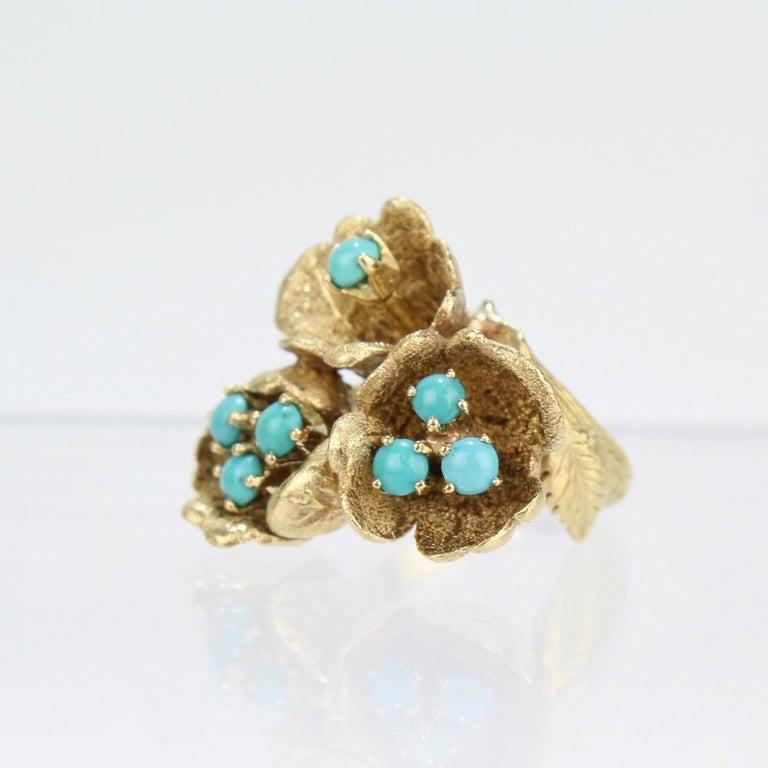 Fine J Rossi 18 Karat Gold and Turquoise Cluster Figural Flower Ring For Sale 4