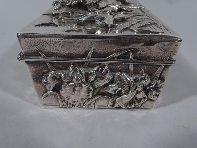 Fine Japanese Hand-Hammered Silver Box with Irises In Excellent Condition For Sale In New York, NY
