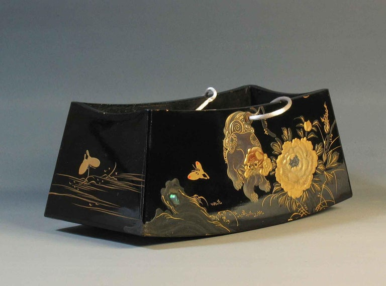 Appliqué Fine Japanese Lacquer Takamakura Geisha Pillow, First Half of the 20th Century For Sale